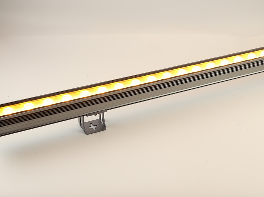led线条灯被广泛运用到经营场所中
